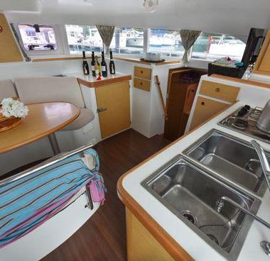 Catamarano Lagoon 380 (2012)-4