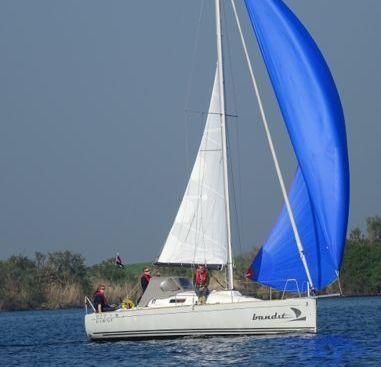 Barca a vela Beneteau First 27.7S (2009)-2