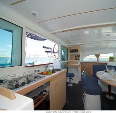 Catamarano Lagoon 380 (2013)-2