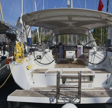 Sailboat Beneteau Oceanis 41 (2015)-2