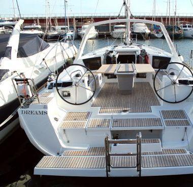 Sailboat Beneteau Oceanis 45 (2019)-2