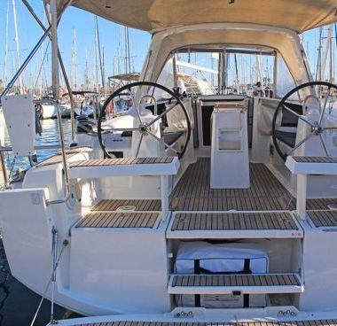Sailboat Beneteau Oceanis 35.1 (2020)-2