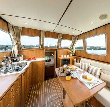 Huisboot Linssen Classic Sturdy 35 AC (2016)-4