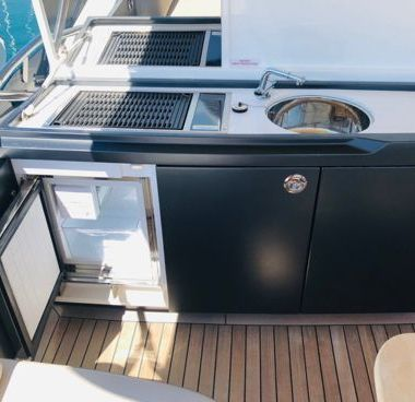 Motor boat Princess S65 (2018)-2