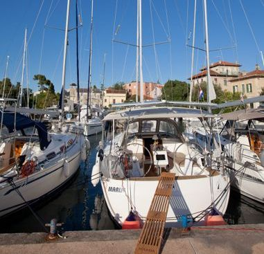 Barca a vela Bavaria Cruiser 37 (2015)-4