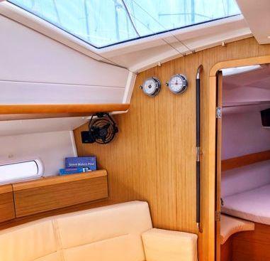Zeilboot Jeanneau Sun Odyssey 42 DS (2010)-2