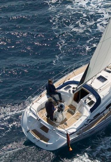 Sailboat Bavaria Cruiser 39 (2006)-3