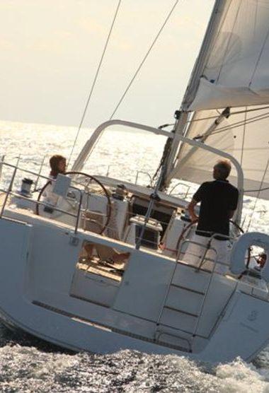 Sailboat Beneteau Oceanis 50 Family (2012)-3