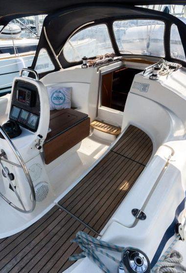 Barca a vela Bavaria Cruiser 33 (2007)-3