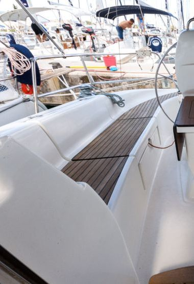 Segelboot Bavaria Cruiser 33 (2007)-3