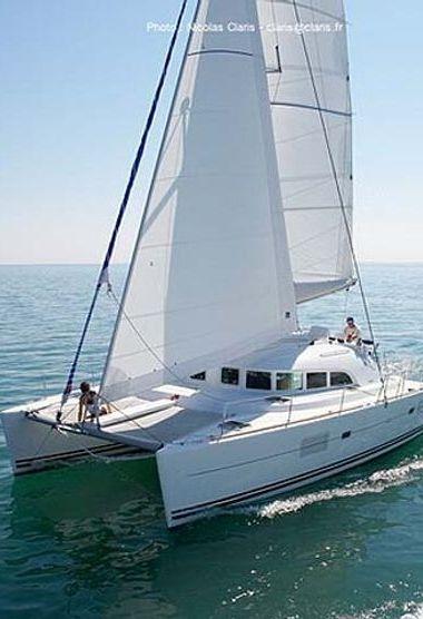 Catamaran Lagoon 380 S2 (2006)-3