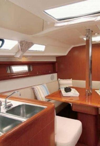 Zeilboot Beneteau Oceanis 34 (2012)-3