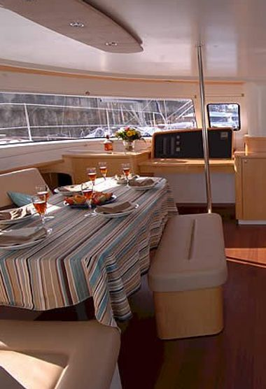Catamaran Fountaine Pajot Salina 48 (2012)-3