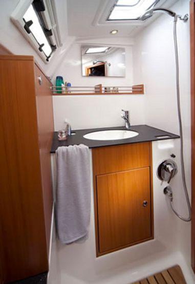 Sailboat Bavaria Cruiser 36 (2013)-3