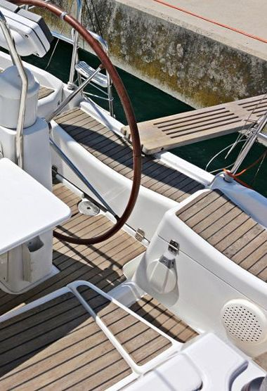 Sailboat Jeanneau Sun Odyssey 36 i (2009)-3