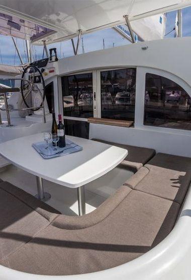 Catamaran Lagoon 380 (2014)-3