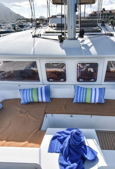 Catamaran Lagoon 450 (2012)-3