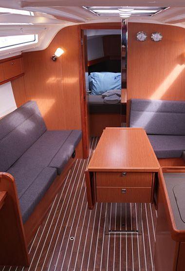 Segelboot Bavaria Cruiser 37 (2014)-3