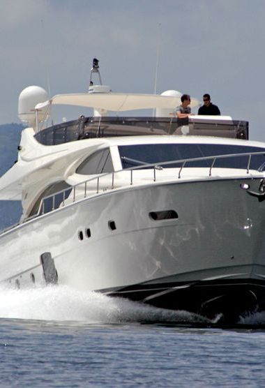 Barco a motor Ferretti 780 (2007)-3