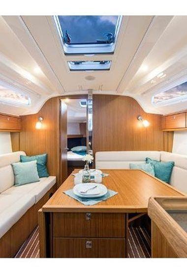Zeilboot Bavaria Cruiser 37 (2015)-3