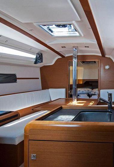 Barca a vela Jeanneau Sun Odyssey 349 (2016)-3