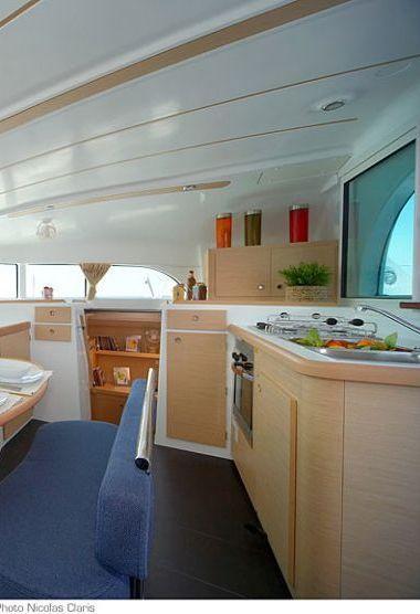 Catamarano Lagoon 380 (2013)-3