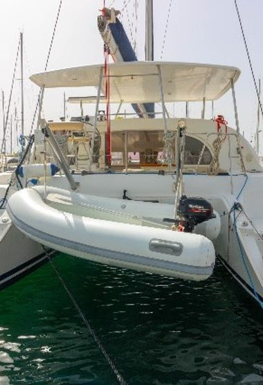 Catamarano Lagoon 380 (2009)-3