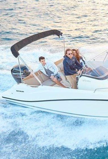 Motor boat Invictus 240 FX (2017)-3