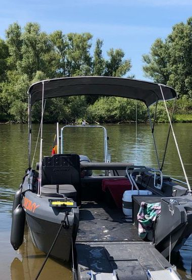 Barco a motor Pioner Multi - 2020 (reacondicionamiento 2020)-3