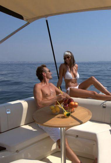 Speedboat Invictus 270 FX (2021)-3