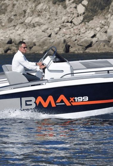 Speedboat Invictus 190 FX (2018)-3