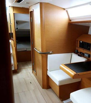 Sailboat Jeanneau Sun Odyssey 439 (2014) (3)