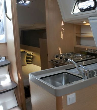 Sailboat Beneteau Oceanis 30.1 (2020) (3)