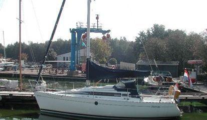 Sailboat Beneteau First 285 (1990)