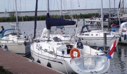 Sailboat Bavaria Cruiser 30 (2005)