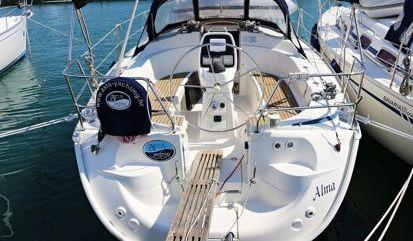 Sailboat Bavaria Cruiser 33 (2007)