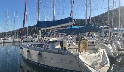 Sailboat Jeanneau Sun Odyssey 33 i (2012)