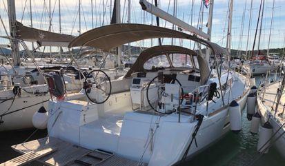 Sailboat Jeanneau Sun Odyssey 449 (2018)