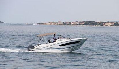 Speedboat Jeanneau Cap Camarat 7.5 WA (2018)