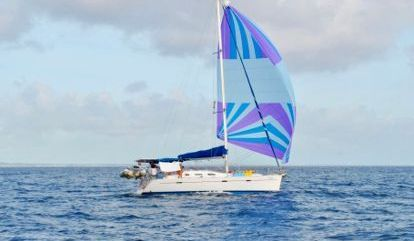 Sailboat Beneteau 40 (2002)