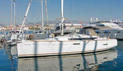 Sailboat Jeanneau Sun Odyssey 389 (2016)