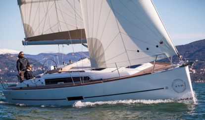 Sailboat Dufour 390 (2019)