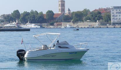 Imbarcazione a motore Quicksilver Passport 430 (2006)