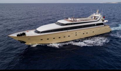 Motor boat Mondomarine 40 (2001)