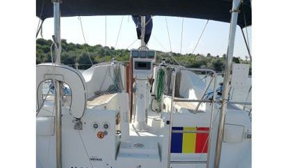 Sailboat Beneteau Oceanis Clipper 393 (2005)