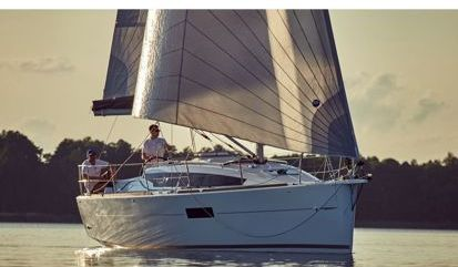 Velero Jeanneau Sun Odyssey 319 (2020)