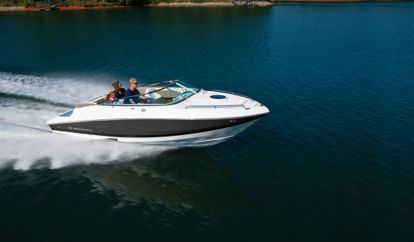 Speedboat Regal 2250 (2009)