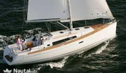 Velero Beneteau Oceanis 37 (2012)