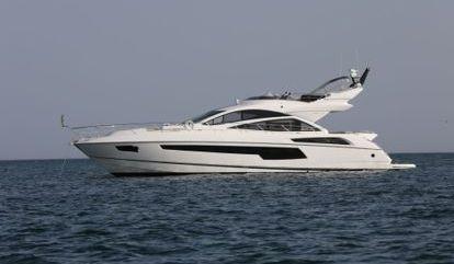 Motor boat Sunseeker 68 Sport (2016)