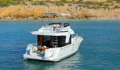 Motor boat Trawler 35 (2019)